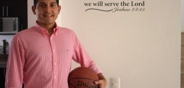 Carlos Triana le apostó al básquet