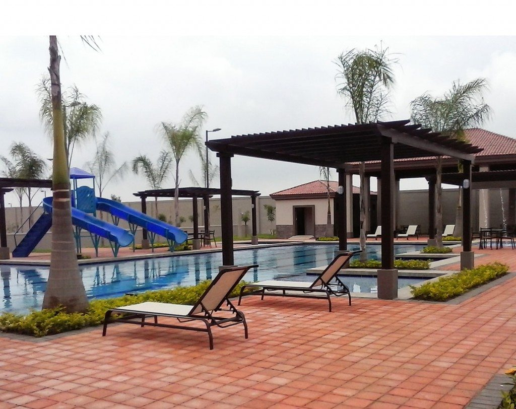 piscina arboleda