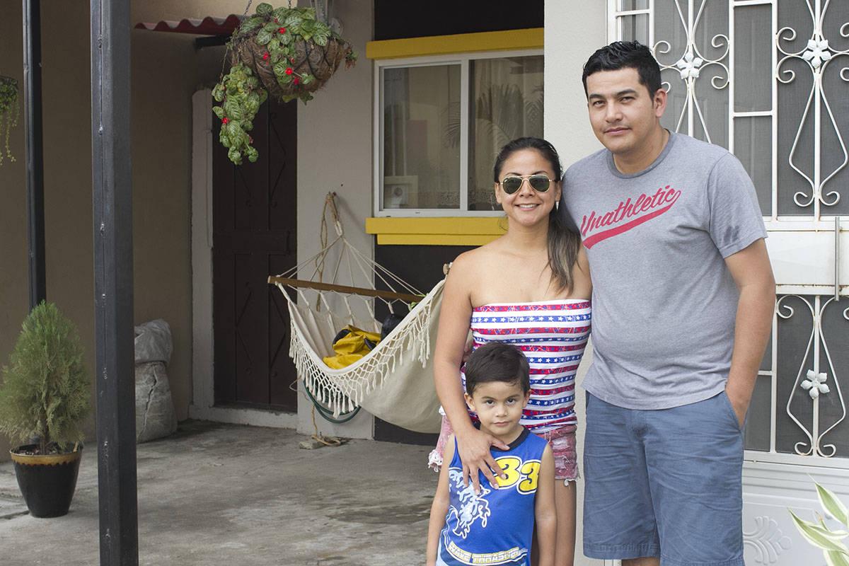 La Familia De Omayra Creci En Villa Del Rey La Colmena