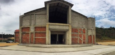 Fondeo comunitario para terminar la iglesia San Alberto Magno