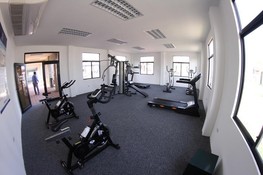 El gimnasio de Ciudad Celeste es bastante completo