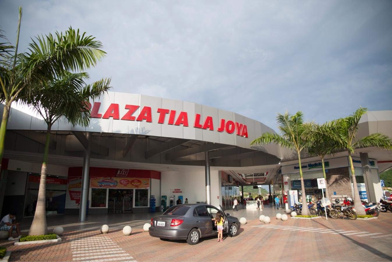 Plaza Tia en La Joya